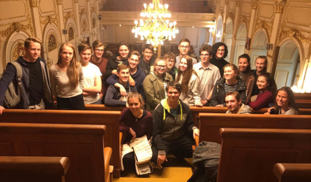 Gymnazisté v parlamentu