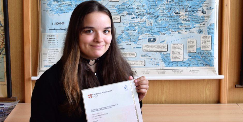 Cambridgeský úspěch naší studentky a její postřehy ze zkoušky CAE
