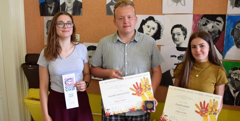 Medaile z mezinárodní výtvarné soutěže Lidice!
