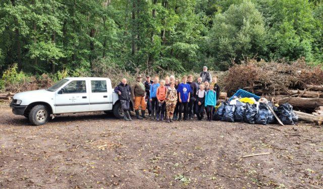 Opět jsme pomáhali při úklidu přehrady Les Království
